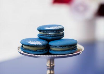 Blue macaron dessert table