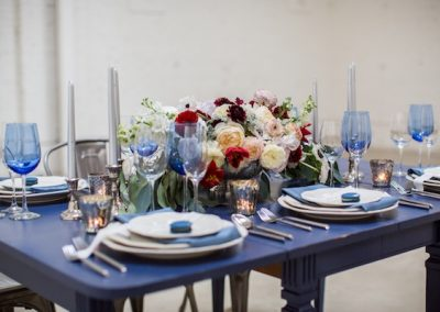 blue and white table setting_ shoot at honeypot los angeles