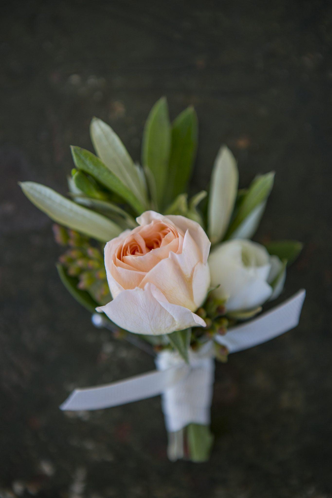 peach rose boutinnere