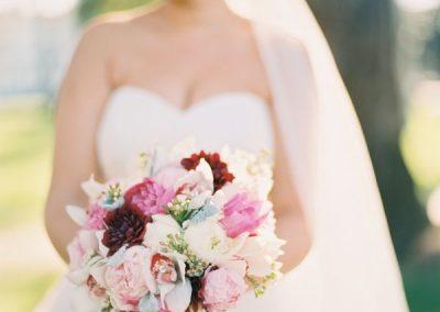 meadows events_santa monica wedding_bride and bouquet