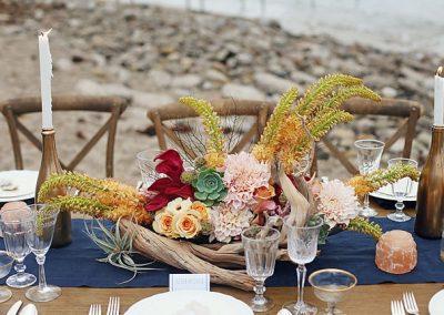 summerbeach-styled centerpiece table setting