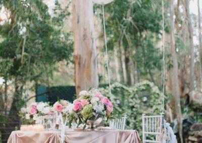 sweetheart table idea california beach wedding