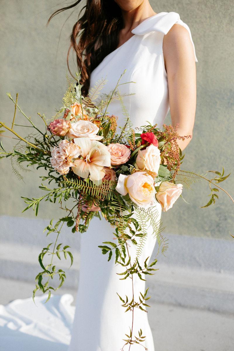 flowy-peach-bouquet -california elopement-meadows- events