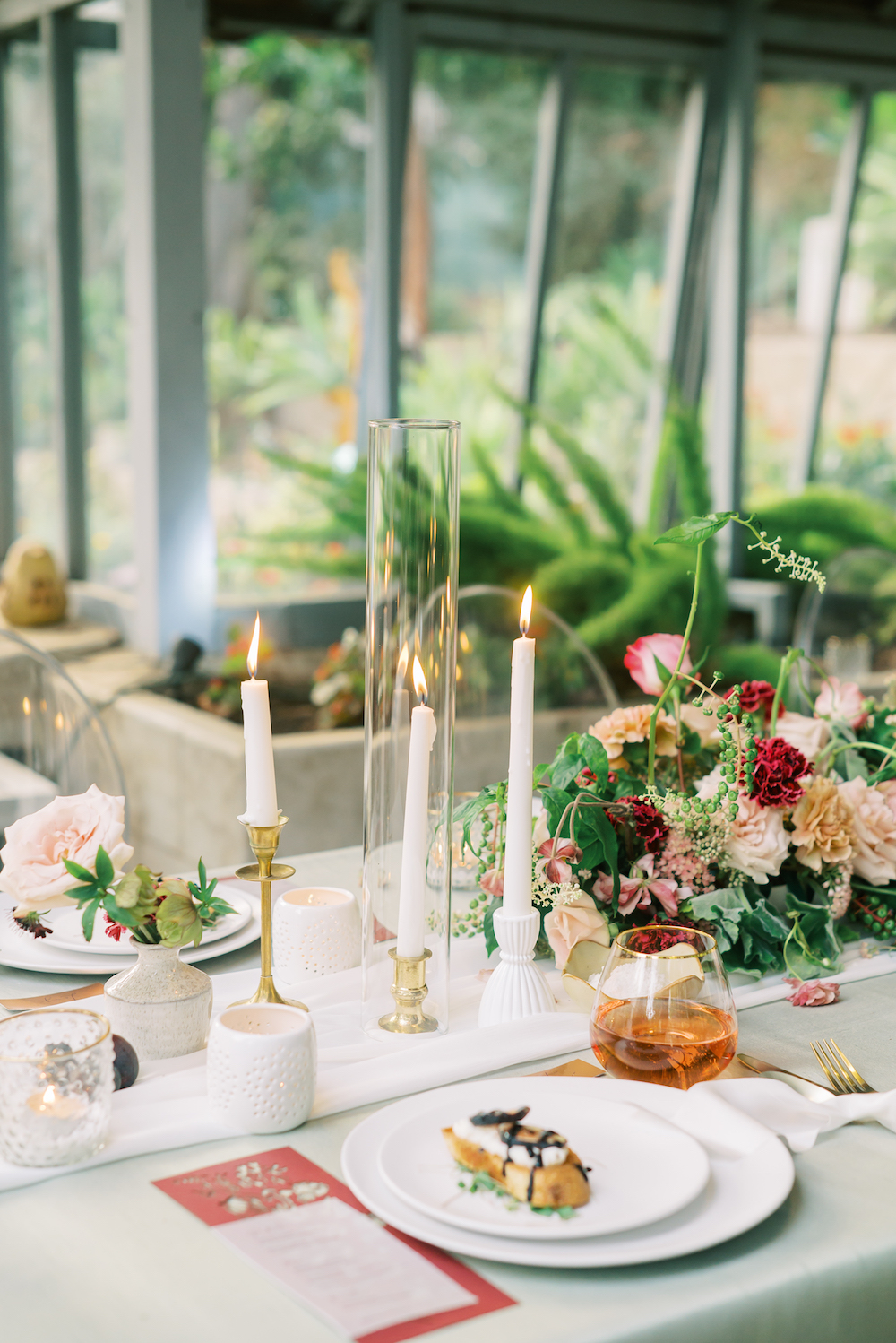 botanical table setting